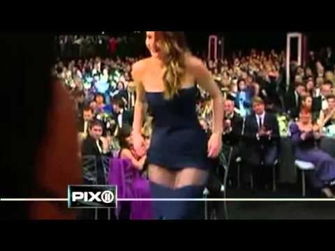 Jennifer Lawrence gown falls apart at SAG Awards