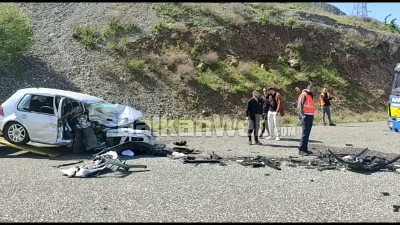 """Aksidenti me një të vdekur pranë """"Urës së Zogut"""", shihni si kanë përfunduar makinat"""