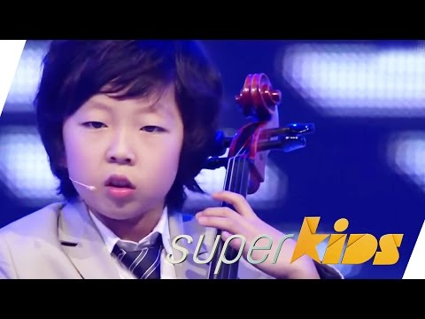 "Amazing Kids Orchestra Plays ""Smooth Criminal"" And ""Bad"" By Michael Jackson 