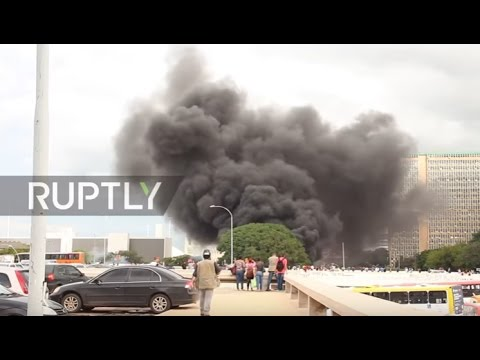 Brazil: Clashes hit Brasilia after Senate pass 20-year social spending freeze