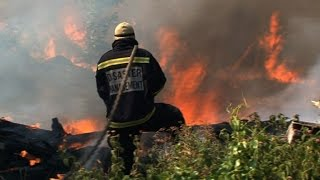 Fires continue to rage near Cape Town