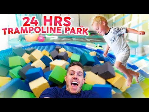 24 HOURS iN A TRAMPOLiNE PARK! (Homemade In Our House!)