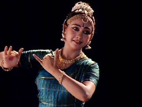 Zestful dance performance by Rajashree Warrier