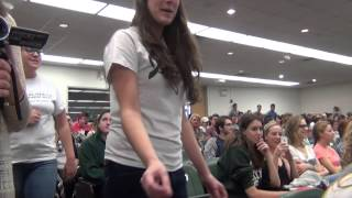 FLASH MOB: All-women a cappella group sings