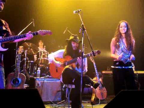 ~東北地方太平洋沖地震支援ライブ supported by SAPPORO MUSIC ART募金~@MEME8