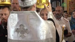 Сразу две казачьих пары обвенчались в Краснодарском храме Рождества Христова