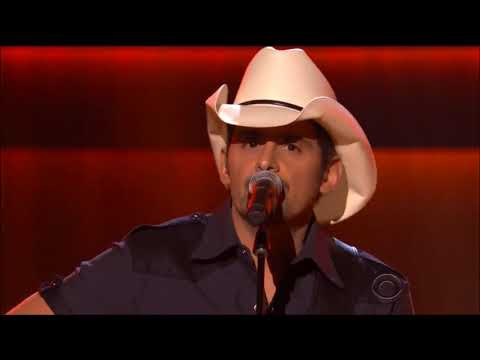 """Brad Paisley performs """"My Tennessee Mountain Home"""" live in concert 2017 HD 1080p"""