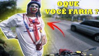 Baixar FALEI PRO PALHAÇO NO SEMÁFARO QUE MINHA MOTO ACABOU A GASOLINA, E OLHA OQUE ELE FEZ !
