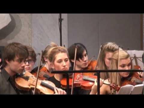 Barratt Dues Symfoniorkester fremfører C. Nielsen og P. Tsjajkovskij i  Universitetets Aula, Oslo