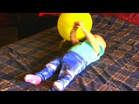 Balloon Popping Baby! - Infant pops a balloon while playing