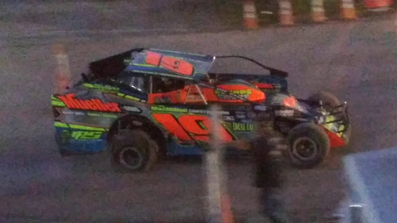 Big Block Modified Feature @ Devils Bowl Speedway (VT) on 8/11/19