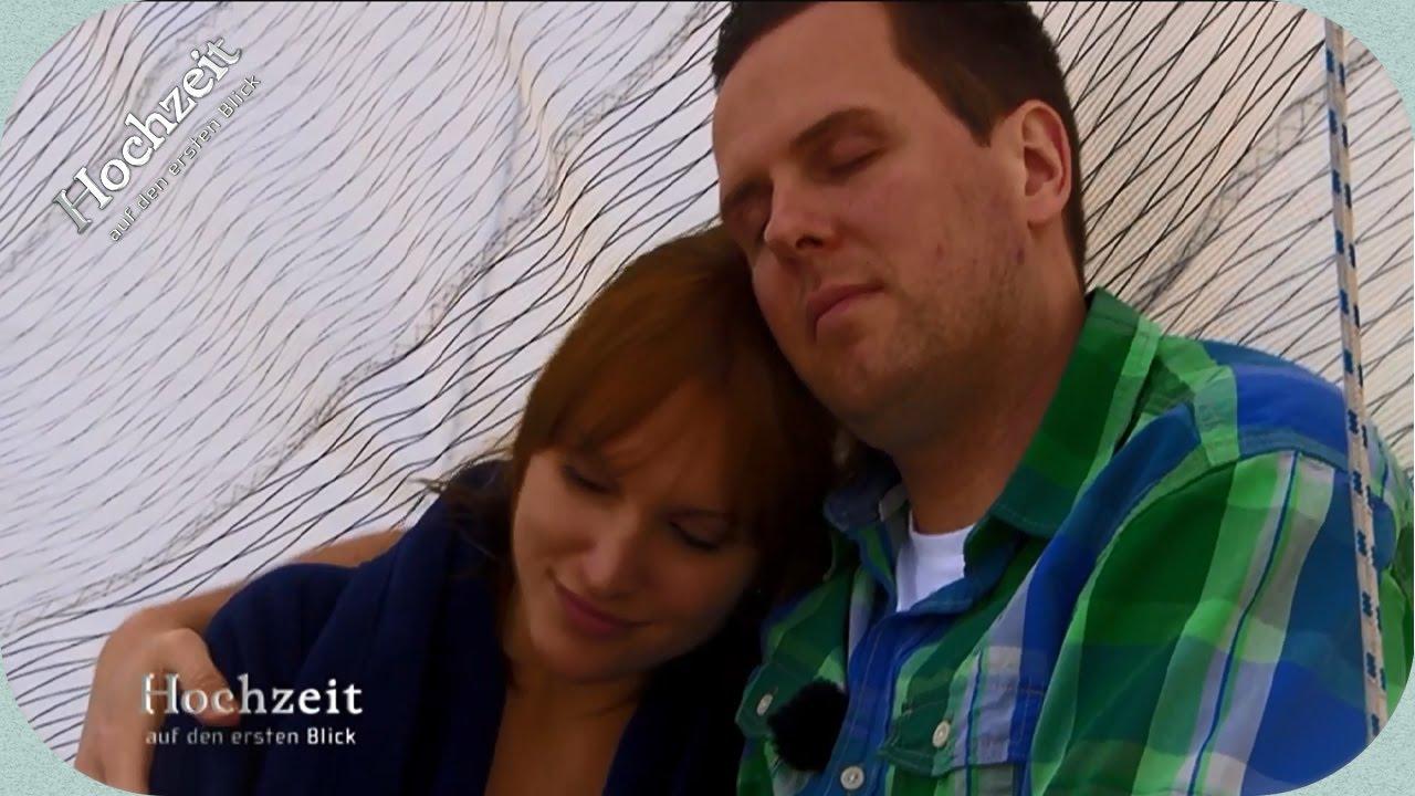 Tatjana und Dennis kommen sich näher | Hochzeit auf den ersten Blick