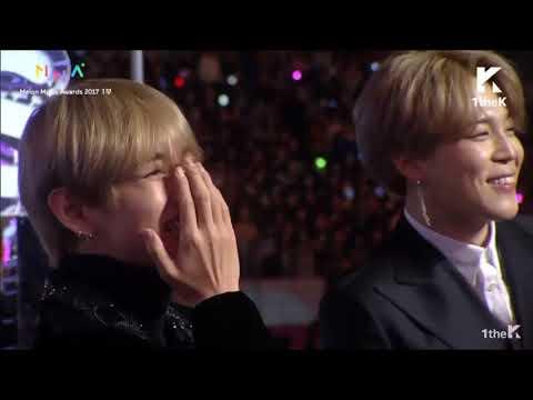 171202 BTS SUGA & SURAN win HOT TREND @ Melon Music Awards 2017