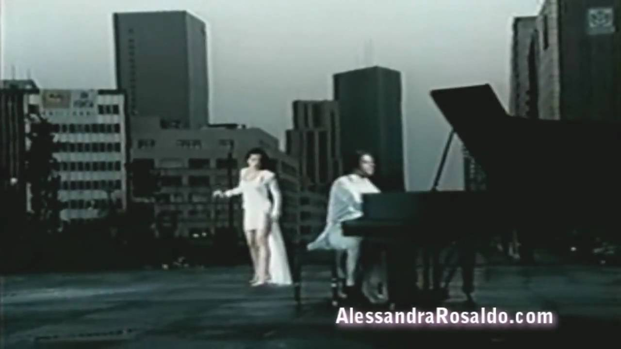 sentidos-opuestos-eternamente-video-musical-alessandrarosaldo