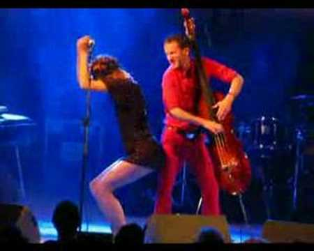Nouvelle Vague - Dancing with myself LIVE ATHENS 2008 mp3
