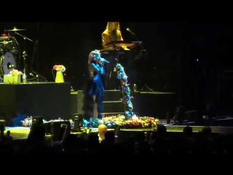 Grace VanderWaal - Imagine Dragons- Evolve Tour pt3 (June 5, 2018)
