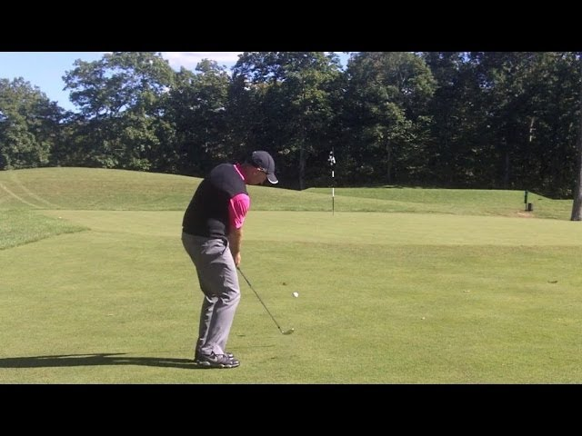 Golf Lessons - Chipping from a tight lie