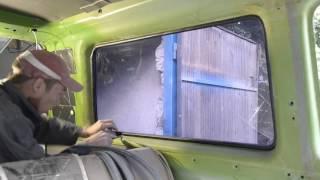 Как снять стекла с авто!? Легко!  Vw T3 Bus(Демонтаж стекла с автомобиля! Таким способом можно снять любые стекла крепления которых аналогичны!, 2016-09-16T17:22:50.000Z)