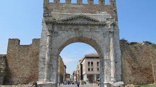 Arch of Augustus Римини Арка Августа(Достопримечательности Римини. Арка Августа - самая древняя триумфальная арка северной Италии, служившая..., 2013-10-20T18:02:45.000Z)
