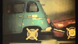 Alfa Romeo 75 & Renault 4 crash test