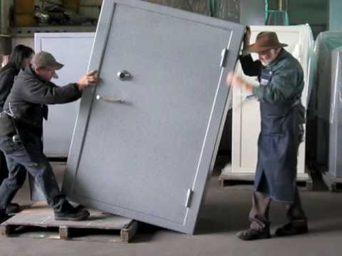 How To Move A LARGE Or VERY HEAVY Safe Off A Pallet. -By Sturdy Gun Safes