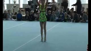 Настя Попова гимнастика