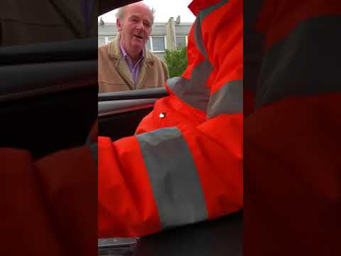 Traveller's messing with man