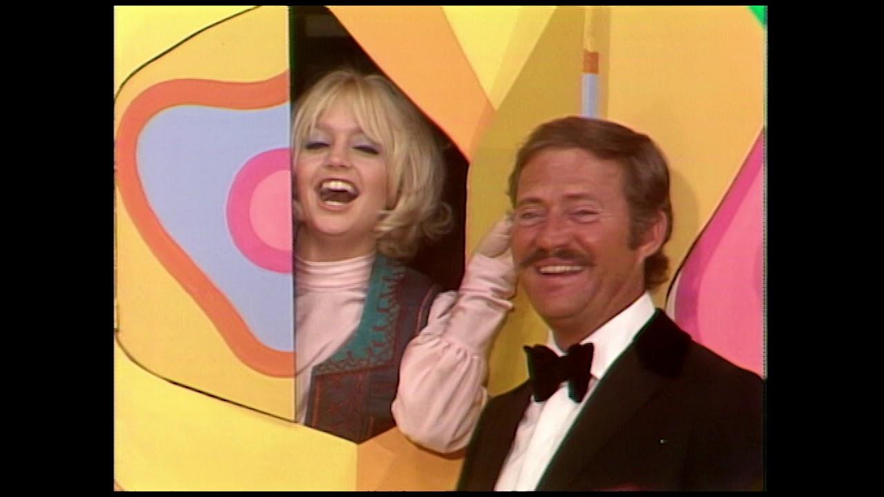 Download Nancy Sinatra Joke Wall | Rowan & Martin's Laugh-In | George Schlatter