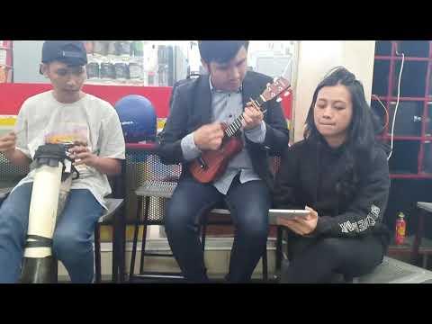 Download Aku lengkap denganmu Starbe cover Ukulele Musisi Jalanan Version Mp4 baru