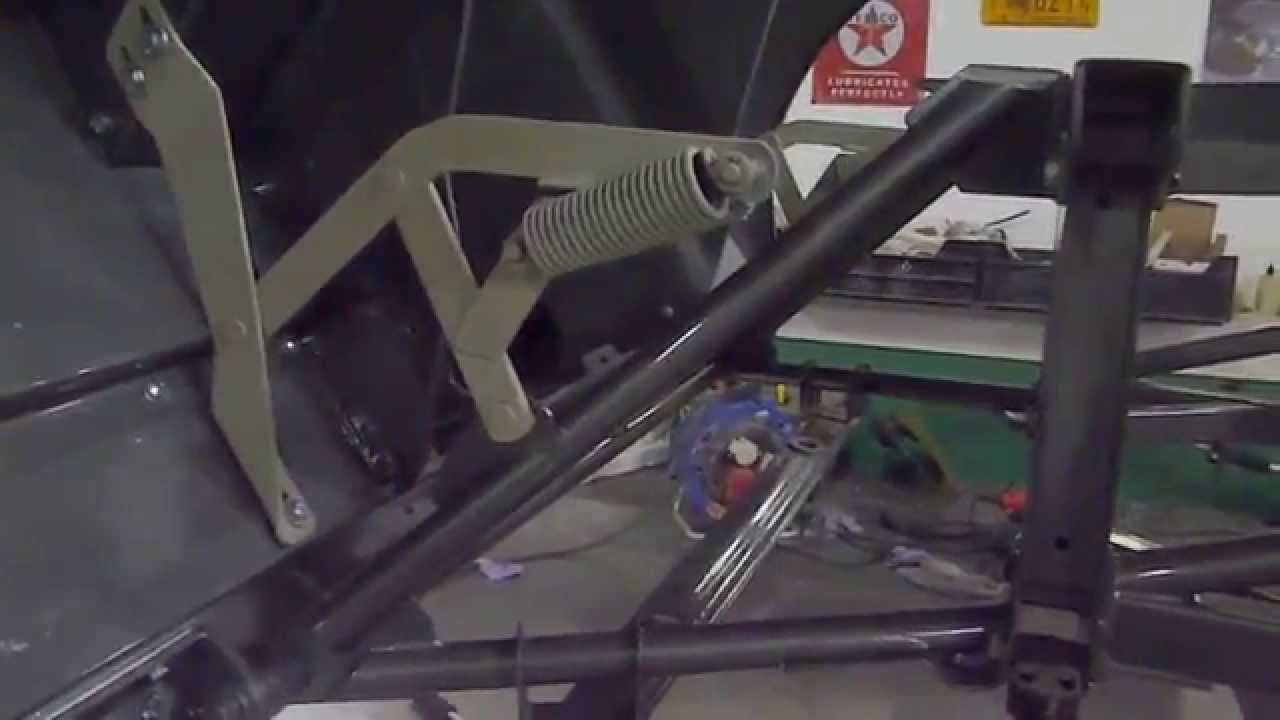 jaguar e type bonnet hinges youtube jaguar e type wiper motor wiring jaguar e type wiring [ 1280 x 720 Pixel ]