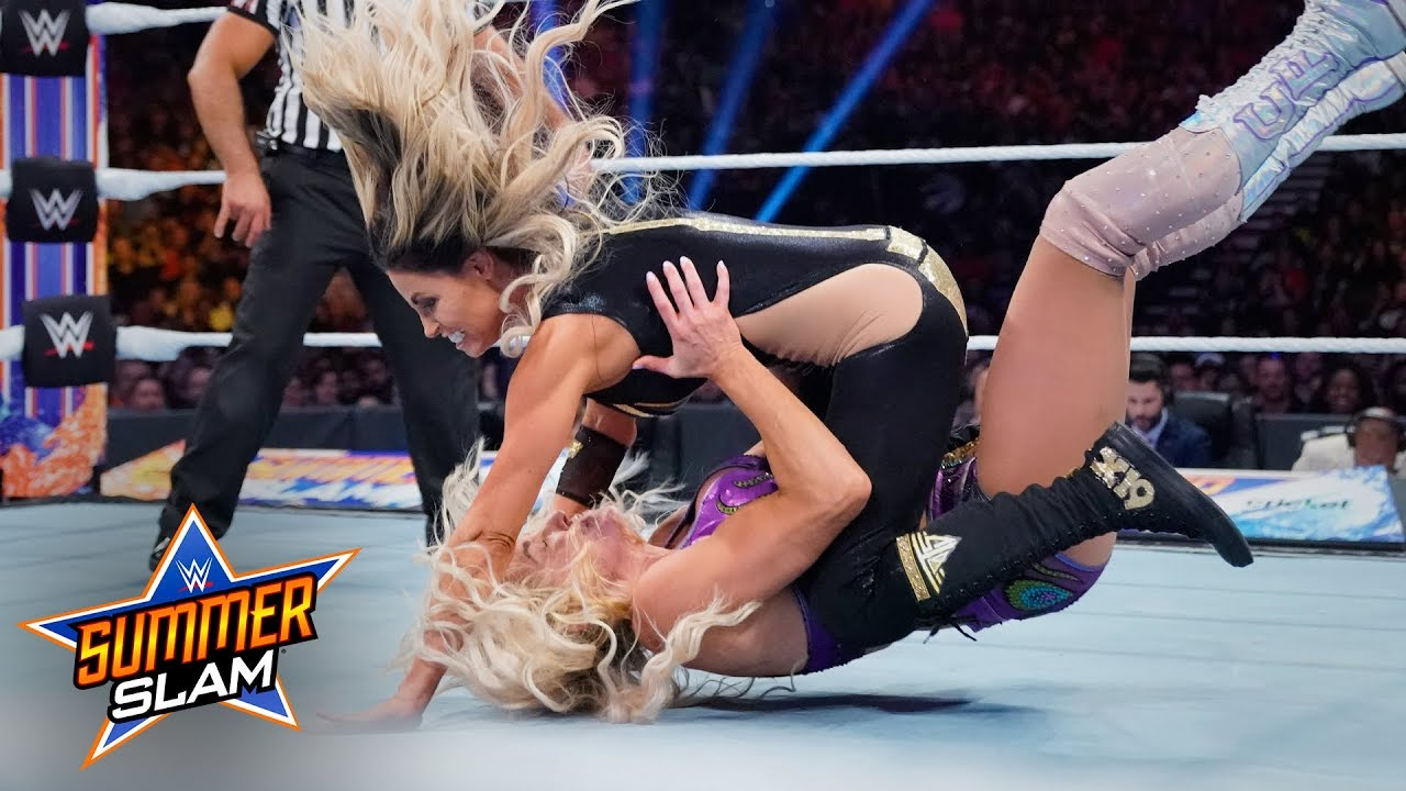WWE SummerSlam: Charlotte Flair Vs. Trish Stratus