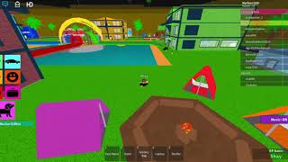 Terrorizing a couple in Roblox (and ending up in a fun fight xD)