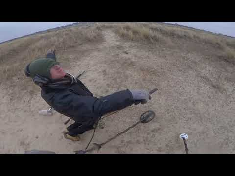 E12 a lesson in Extreme Metal detecting in great yarmouth!!