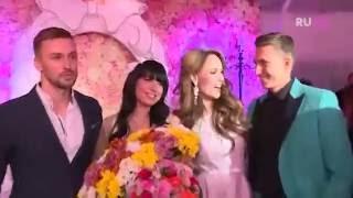 Нелли Ермолаева в свадебном платье от BELLA POTEMKINA