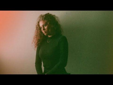 Elyanna - Enta Eih mp3 ke stažení