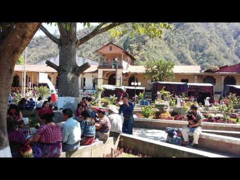 Mezzogiorno a San Lucas Toliman - 12 Febbraio 2017
