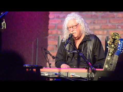 Arlo Guthrie City Of New Orleans Oct 2 2017 Chicago nunupics.com