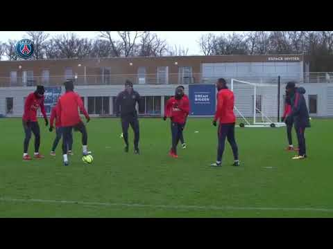 Neymar Jr and Lucas Moura Humiliate the player in training