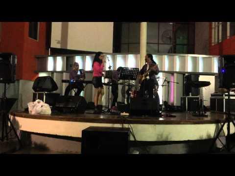 chrisye-kisah-kasih-di-sekolah-cover-by-gracia-band