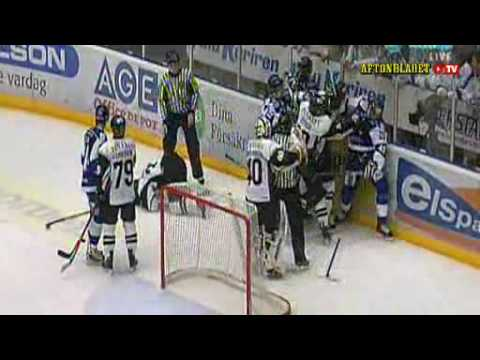 Leksands IF:s Jean-Luc Grand-Pierre vs AIK:s Fredrik Carlsson