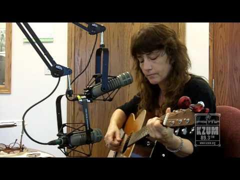 """Laurie McClain - """"Ascend"""" - Live at KZUM"""