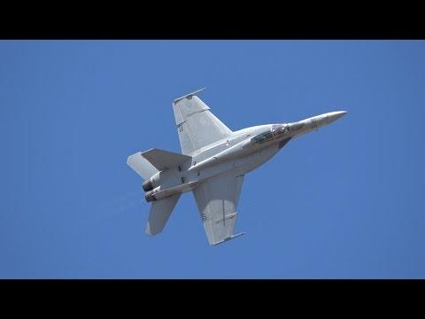 F/A-18 Super Hornet Saturday Demo .. Oregon Airshow 2016 (4K)