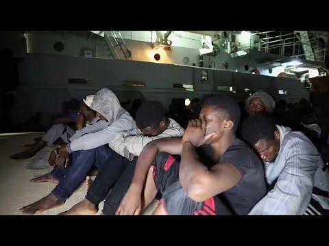 خفر السواحل الليبي يوقف مئات المهاجرين في المتوسط  - نشر قبل 4 ساعة