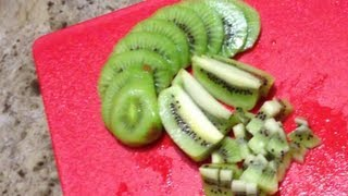 How To Peel And Cut Kiwis In A Very Easy