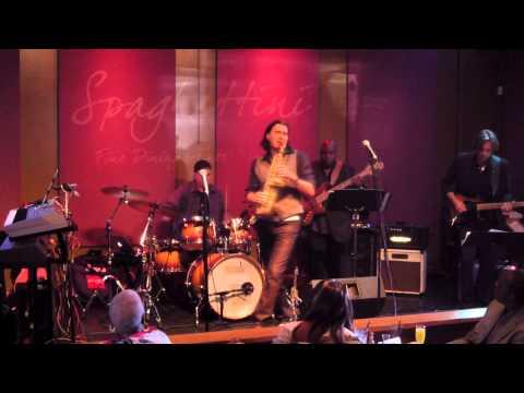 Do You Feel What I'm Feeling - Warren Hill @ Spaghettini (Smooth Jazz Family)