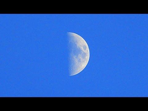 видео: Растущая Луна. Футажи для видеомонтажа. Луна днем