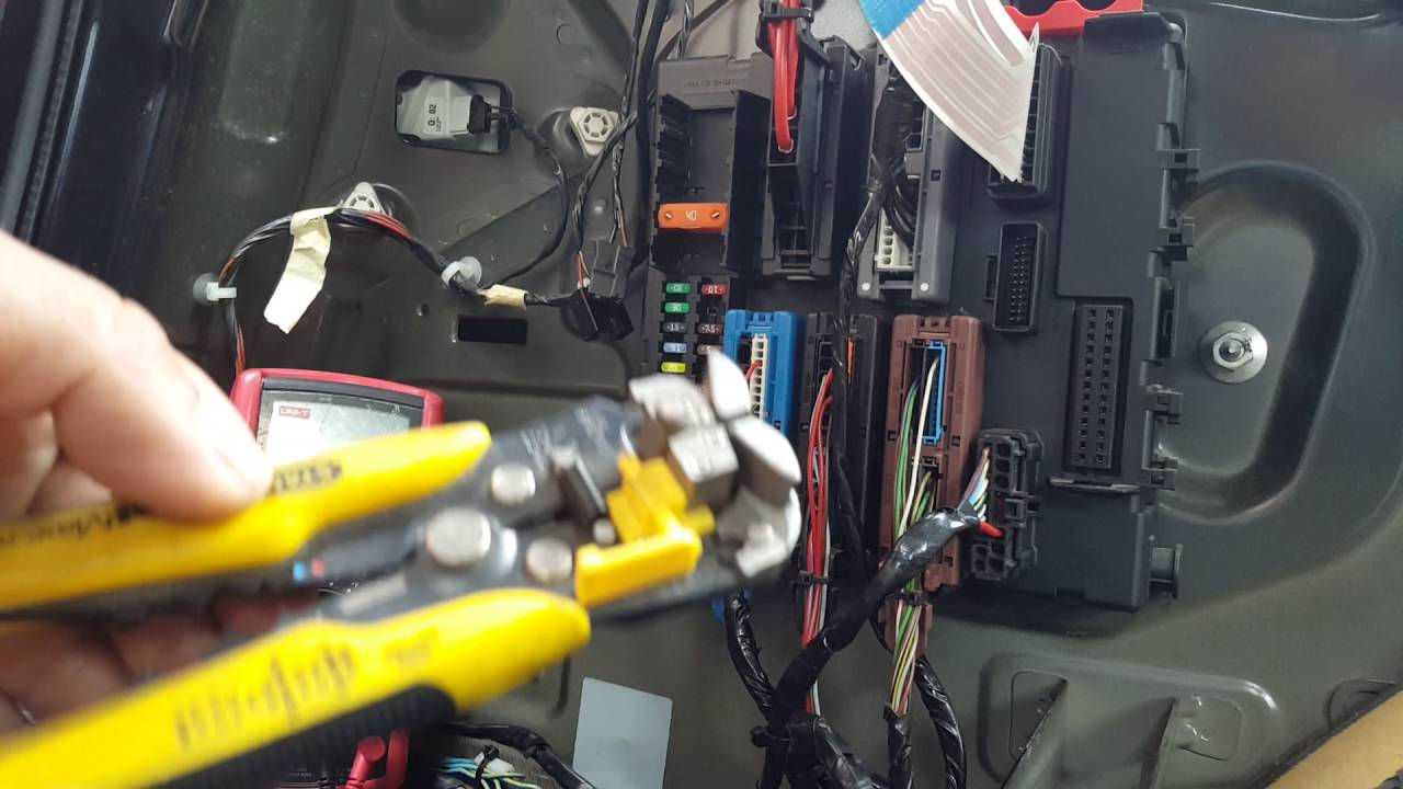 Vauxhall Vectra C trailertowing bar wiring installation