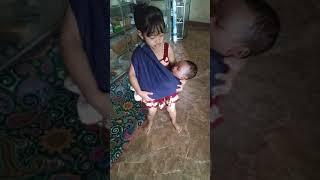 Download MAMA CILIK GENDONG BAYI