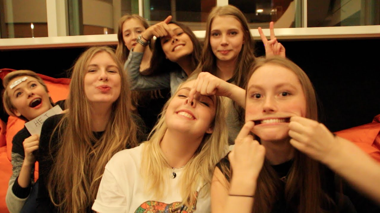 ☼ Januar Theme Week: Skole | Gymnasium Q&A ft. Tropical Elephants! ☼