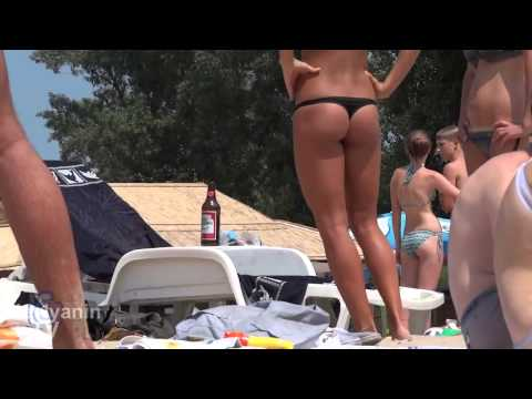 на пляже Красивые голые девушки, эротические фото